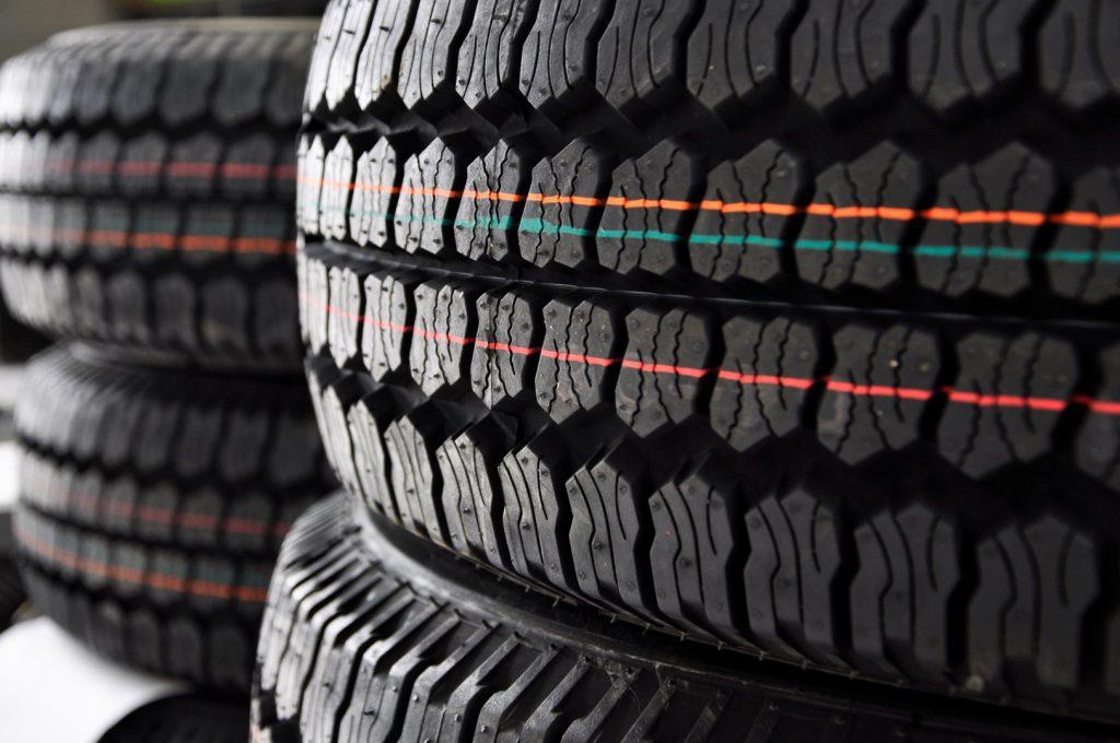autobanden-vervangen-door-automotive-garage-haarlem-bandenspecialist
